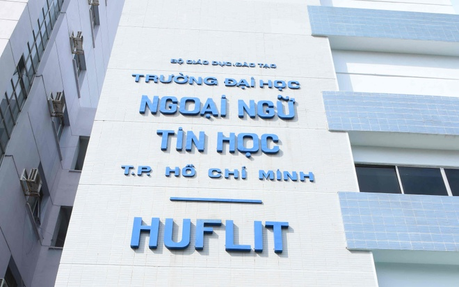 DH Ngoai ngu - Tin hoc TP.HCM anh 1