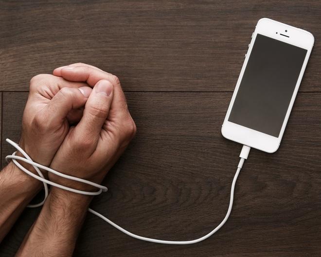9 tac hai khon luong khi phu huynh cho con choi smartphone hinh anh 5