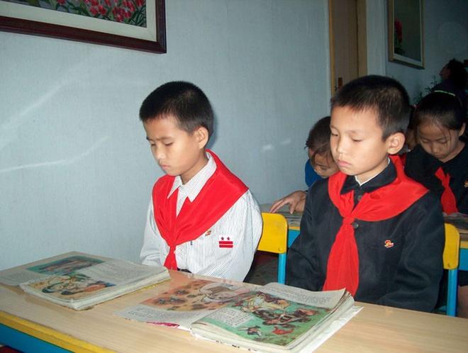 Truong hoc o Trieu Tien day gi cho the he tre? hinh anh 5