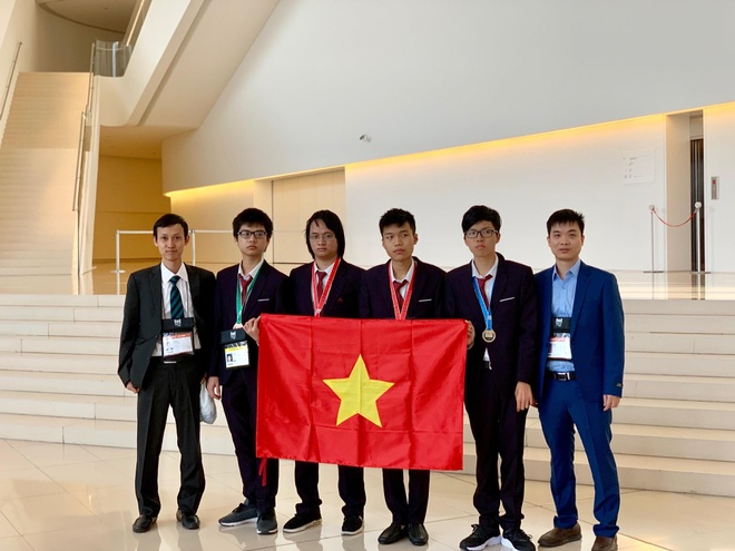 4 hoc sinh Viet Nam gianh huy chuong Olympic Tin hoc quoc te hinh anh 1