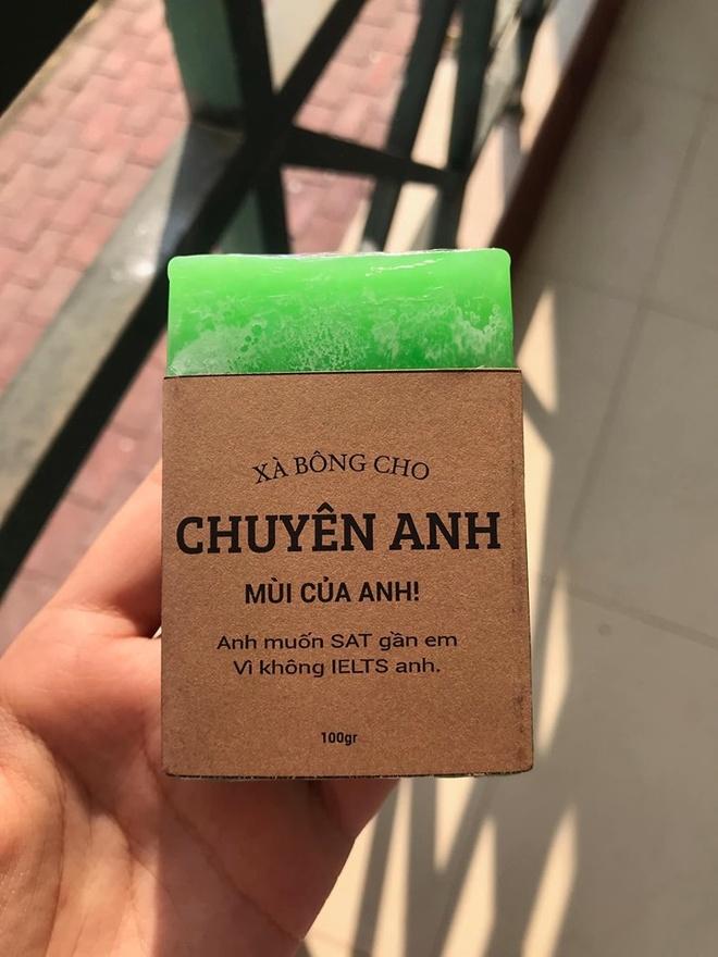 Hoc sinh truong chuyen ban xa bong gan voi tung mon hoc hinh anh 5