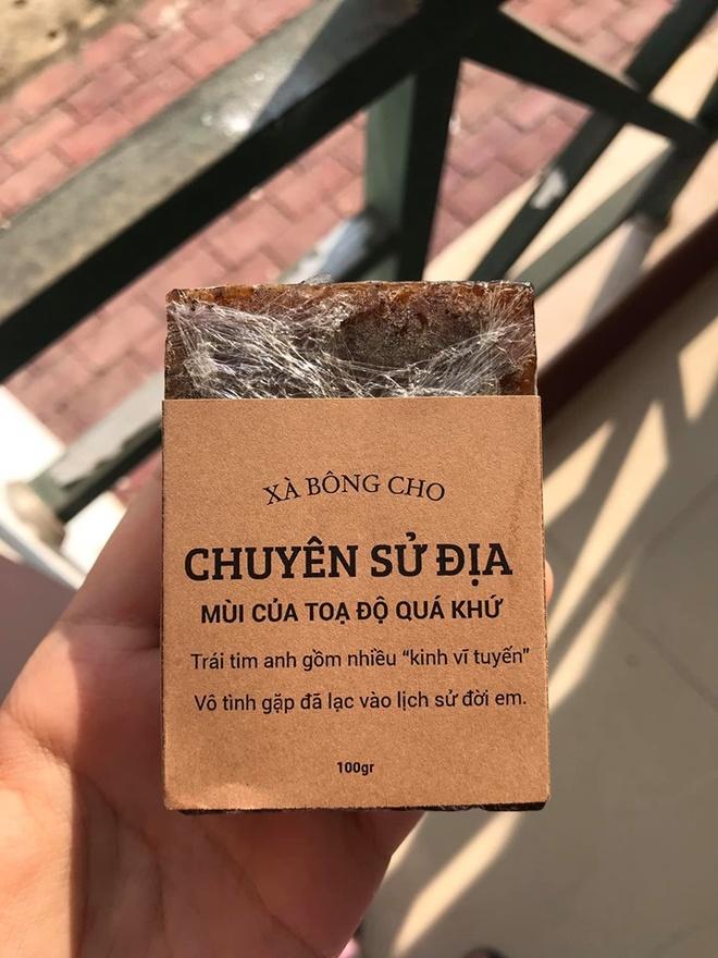 Hoc sinh truong chuyen ban xa bong gan voi tung mon hoc hinh anh 6