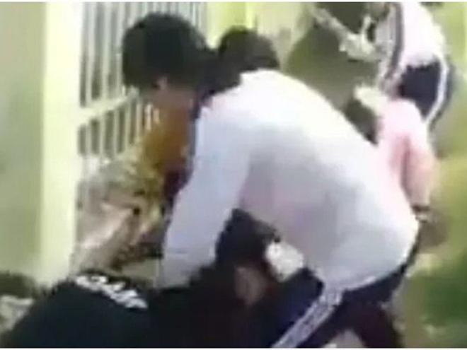 Nữ sinh quyết nghỉ học vì sợ tiếp tục bị đánh