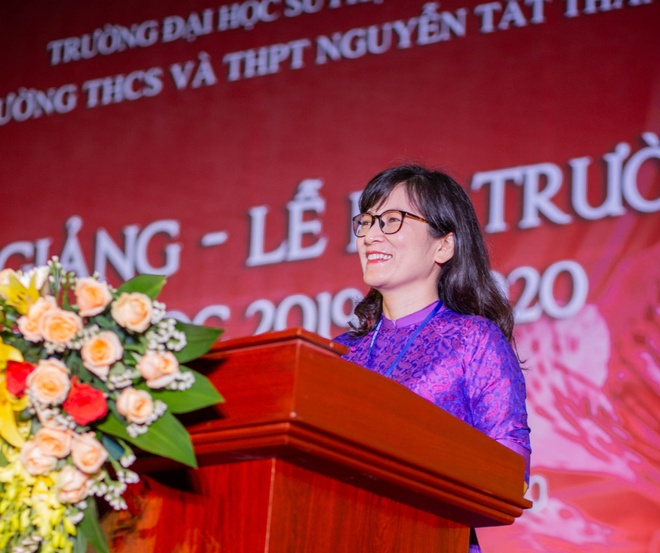 Truong dau tien cho hoc sinh nghi he anh 1