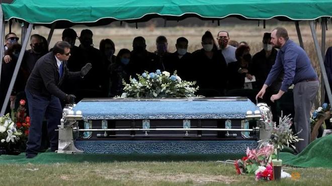 Mỹ tiếp tục có thêm gần 4.500 ca tử vong, kỷ lục nhất từ đầu dịch tới giờ