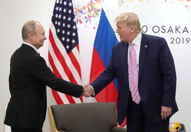 Hai Tong thong Trump va Putin ra tuyen bo chung hinh anh 1 2020_04_25T174501Z_464774240_RC2TBG9CU2M1_RTRMADP_3_USA_RUSSIA_JOINTSTATEMENT.JPG