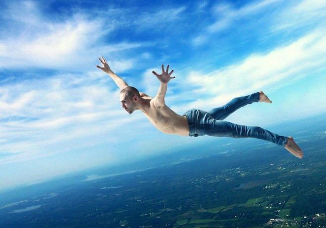 Vi sao con nguoi van song khi roi tu do cao 10.000 m? hinh anh