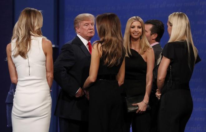 Trump va 'con nghien' phat ngon tren Twitter luc 3h sang hinh anh 2