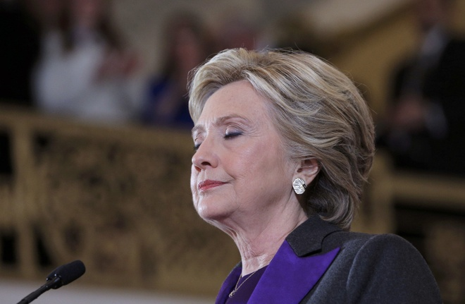 Hillary lam gi sau ngay thua Trump anh 2