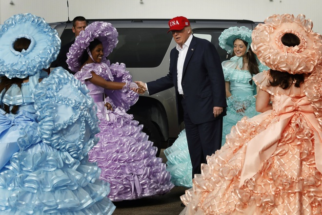 Donald Trump ket thuc tour cam on anh 1