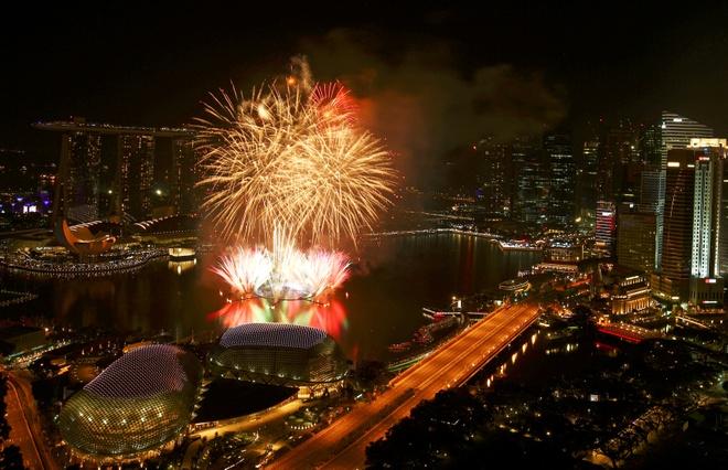 Sydney, Hong Kong, Singapore ky vi duoi phao hoa nam moi hinh anh 51