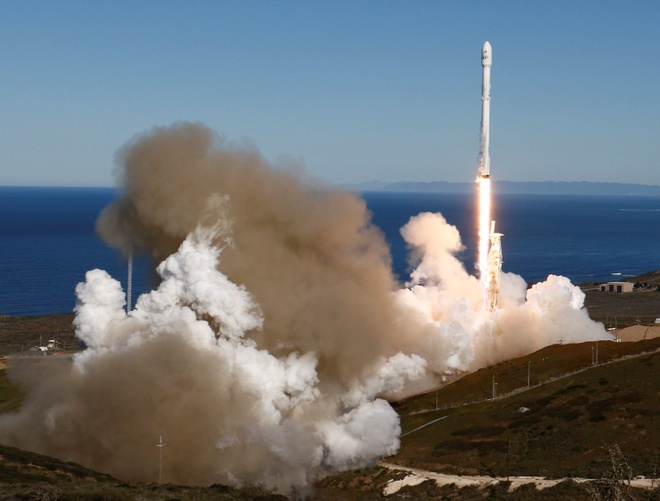 SpaceX phong ten lua thanh cong anh 1
