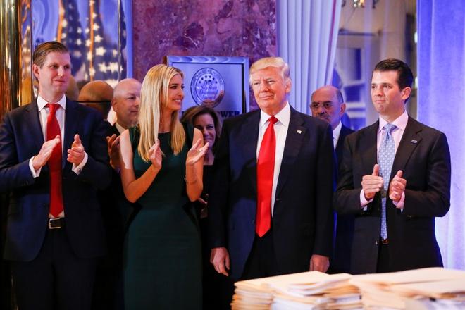 Nhieu nghi si dang Dan chu tay chay le nham chuc cua Trump hinh anh 1