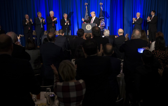Trump gap kho tu Washington D.C. den cac dia phuong hinh anh 1