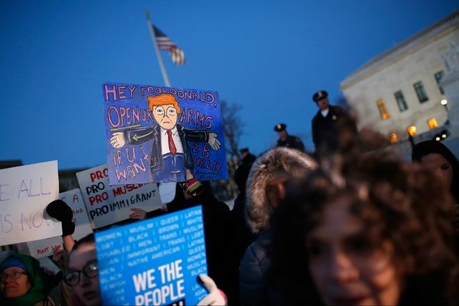 Trump gap kho tu Washington D.C. den cac dia phuong hinh anh 2
