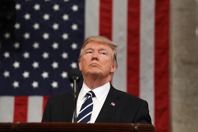 Chinh quyen Trump tiep tuc hau toa vi sac lenh nhap cu moi hinh anh