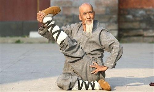 Bac thay Kungfu pho dien nhung dong tac ky cong hinh anh