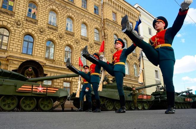 Nga duyet binh anh 3