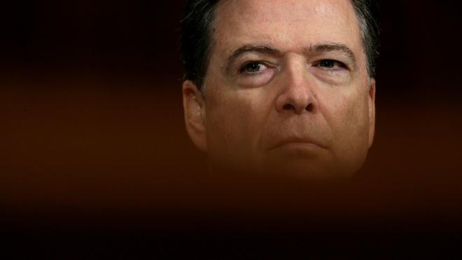 Giam doc FBI: Ke thu cua Clinton va 'cai gai' trong mat Trump hinh anh 1