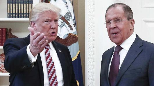 Ong Trump tuyen bo co quyen 'tuyet doi' khi chia se tin voi Nga hinh anh
