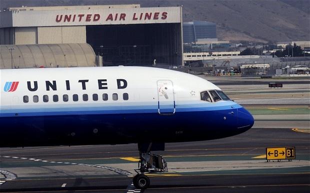 Ma mo cua buong lai cua United Airlines bi phat tan tren mang hinh anh 1