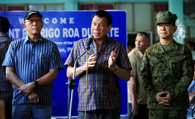 Tong thong Duterte khong nho My giup do tai Marawi hinh anh 1