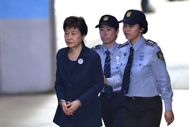Trieu Tien tuyen an tu hinh vang mat ba Park Geun Hye hinh anh 1