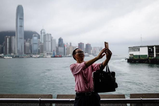 Hong Kong: Thieu ca dan ong lan 'tam trang de yeu' hinh anh 1
