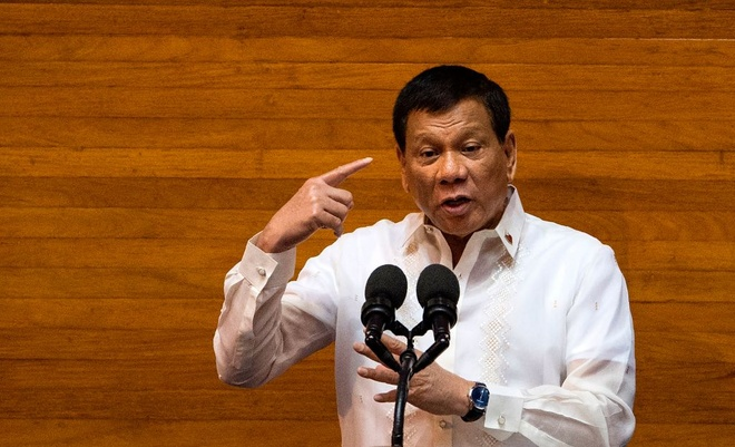 Duterte rut canh sat khoi cuoc chien ma tuy Philippines hinh anh 1