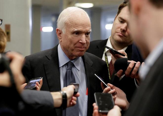 McCain doa kiem trat toa de ep cong su cua Trump dieu tran hinh anh 1