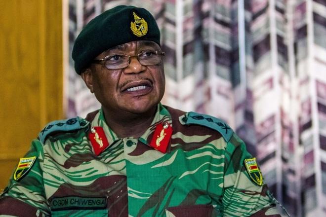 Quan doi ap sat thu do, bat bo truong Zimbabwe giua tin don dao chinh hinh anh 1