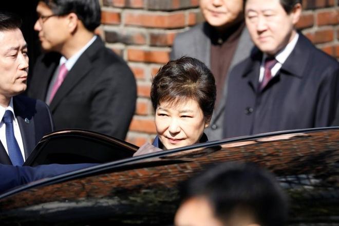 Hai lanh dao tinh bao thoi Park Geun Hye bi bat vi tham nhung hinh anh 1