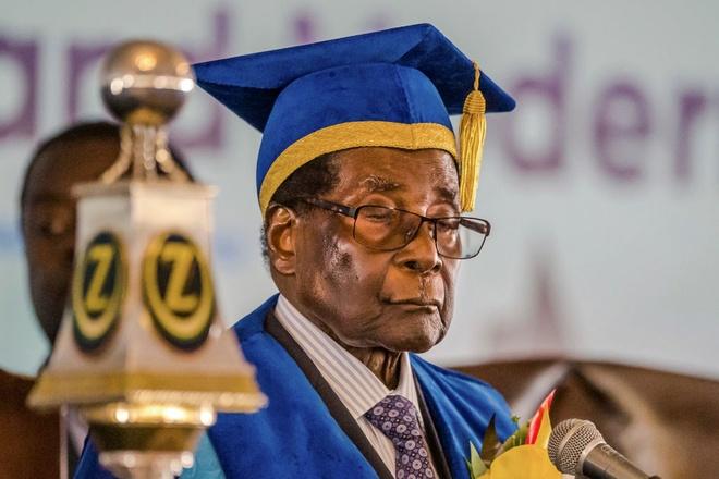 Cuu tong thong Mugabe nhan 10 trieu USD tien 've huu' hinh anh