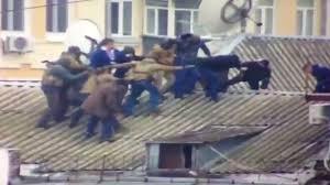 An ninh Ukraine treo len mai nha de bat cuu tong thong Gruzia hinh anh