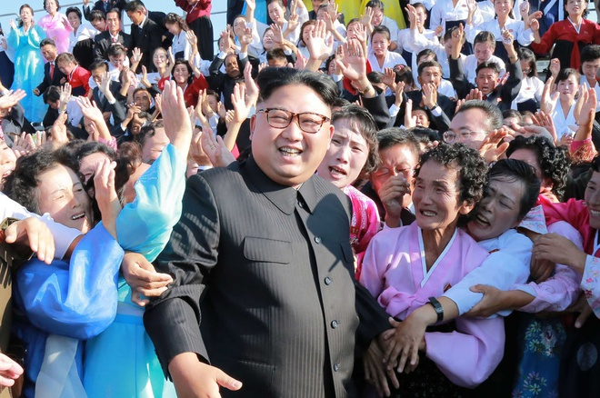 Su that va huyen thoai sau 6 nam cam quyen cua ong Kim Jong Un hinh anh
