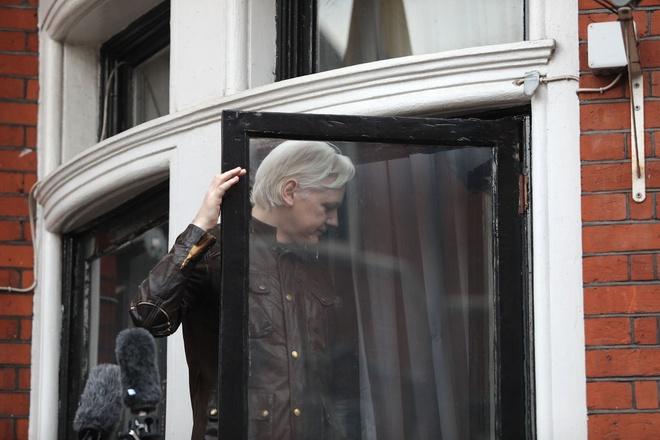 5 nam lan tron, nha sang lap WikiLeaks 'gap nguy hiem suc khoe' hinh anh 1