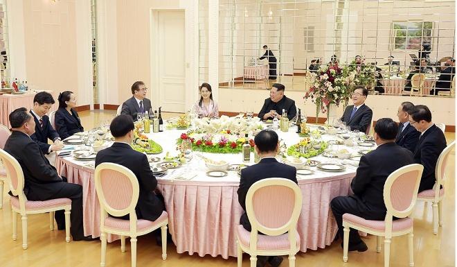 Kim Jong Un gap tong thong Han anh 2