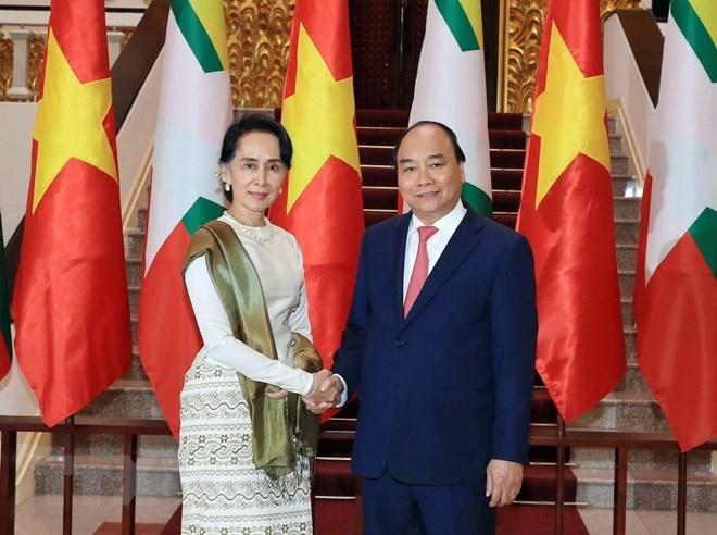Thu tuong hoi dam voi Co van Nha nuoc Myanmar Aung San Suu Kyi hinh anh