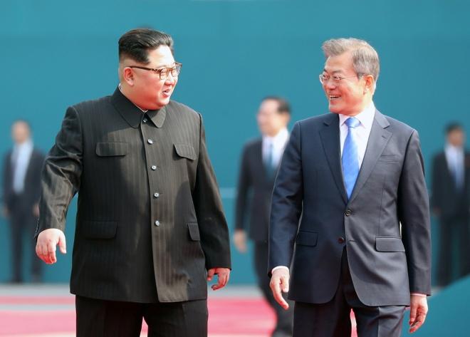 Kim Jong Un mang mi lanh den cuoc gap voi Moon Jae In hinh anh