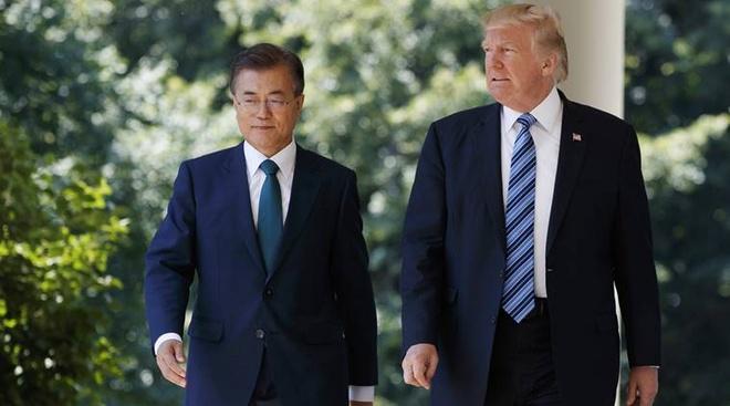 Obama 'chim', Trump 'len ngoi' trong long nguoi Han Quoc hinh anh 3