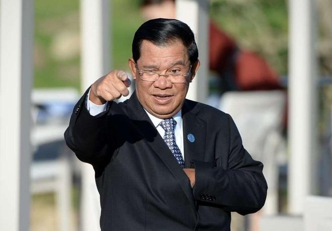 Thu tuong Hun Sen doa sa thai cac bo truong luoi bieng hinh anh