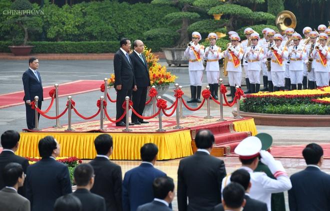Thu tuong Nguyen Xuan Phuc don Thu tuong Campuchia Hun Sen hinh anh 2