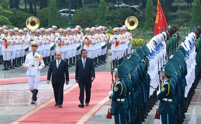 Thu tuong Nguyen Xuan Phuc don Thu tuong Campuchia Hun Sen hinh anh 3