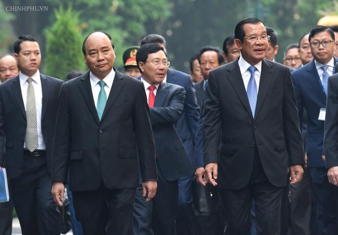 Thu tuong Nguyen Xuan Phuc don Thu tuong Campuchia Hun Sen hinh anh