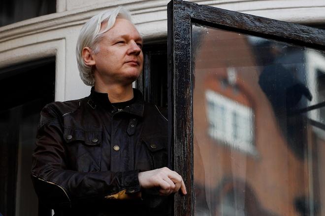 Thuy Dien mo lai vu an nha sang lap WikiLeaks bi cao buoc hiep dam hinh anh 1