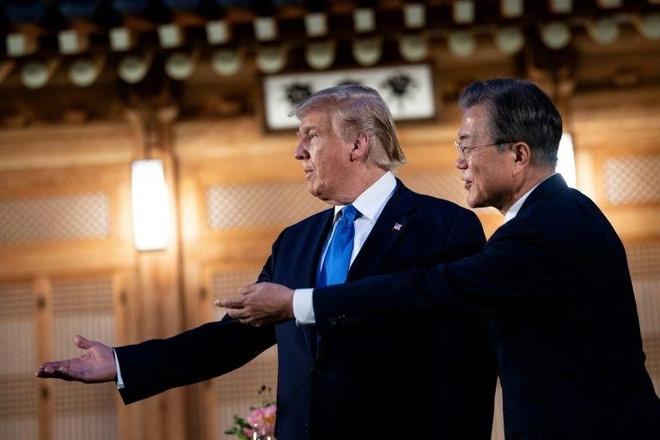 Tong thong Trump den DMZ anh 30