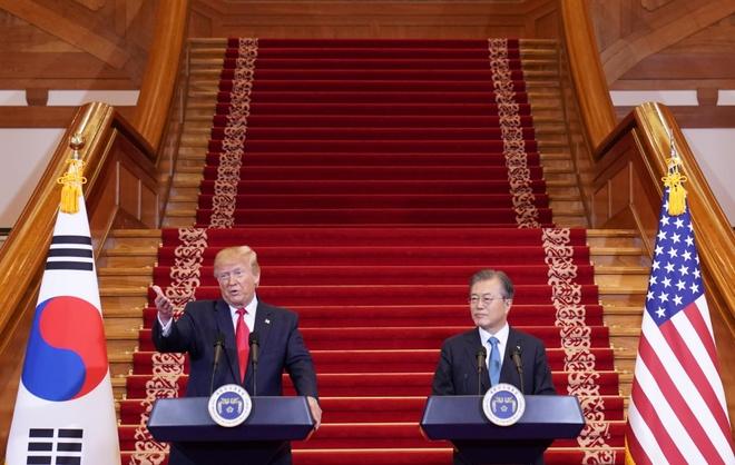 Tong thong Trump den DMZ anh 33