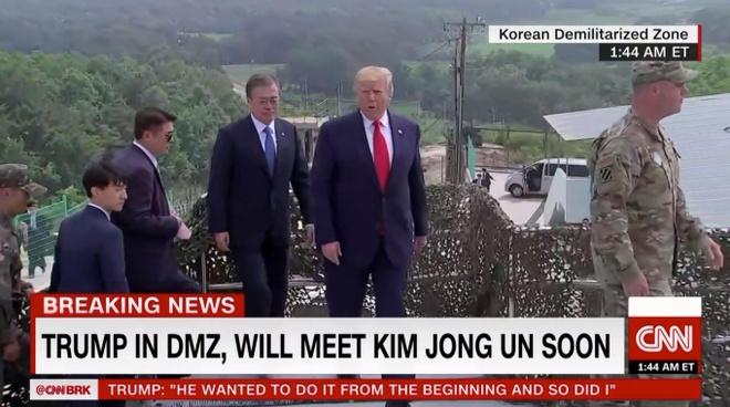 Tong thong Trump den DMZ anh 27