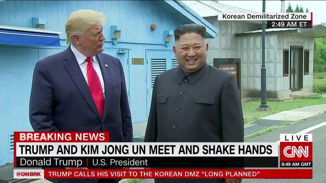 Tong thong Trump den DMZ anh 15