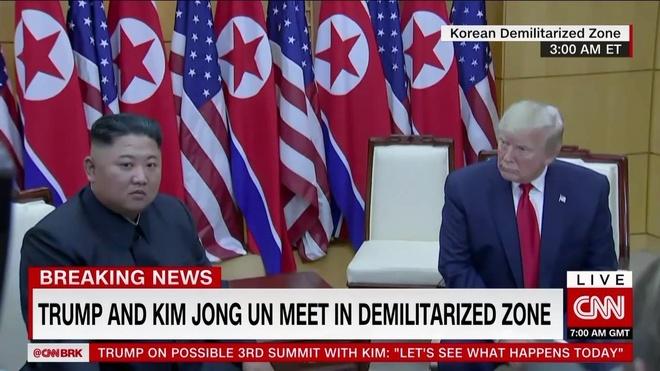 Tong thong Trump den DMZ anh 8